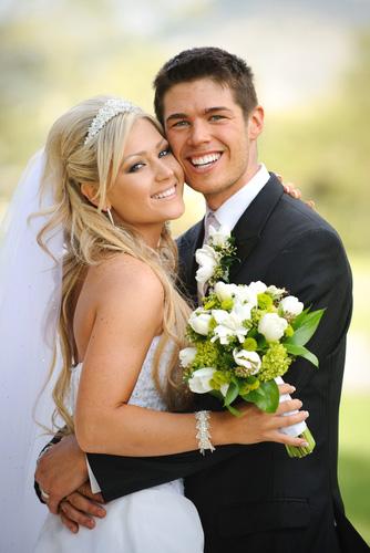 Young_Wedding_Couple